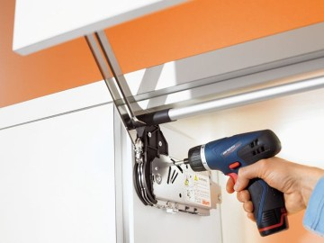 Hướng dẫn lắp đặt tay nâng tủ bếp Blum Aventos HF dễ dàng