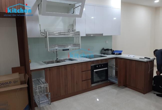 Hoàn thiện phụ kiện tủ bếp tại Chung cư Golden Park Tower Cầu Giấy – Hà Nội